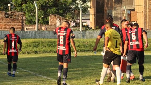 La Liga Paranaense de Fútbol arrancaría el domingo: el comunicado a los clubes