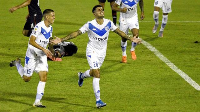 Vélez se hizo fuerte en el Coloso del Parque y se impuso ante el Rojinegro.