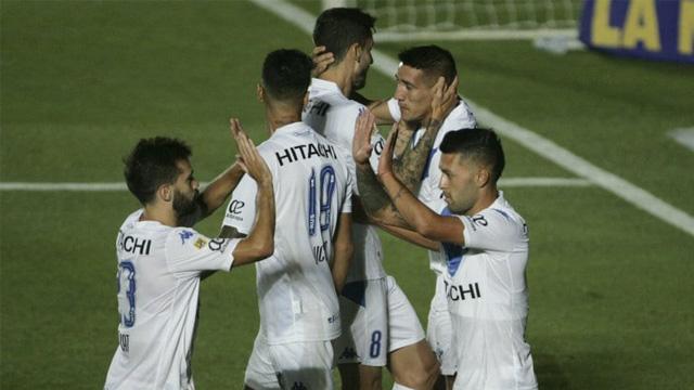 Vélez superó por 3 a 1 a Rosario Central en la Final de la Zona Complementación