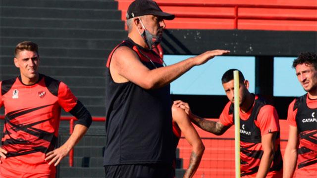 Patronato: Iván Delfino no tendrá en cuenta a cinco futbolistas del plantel