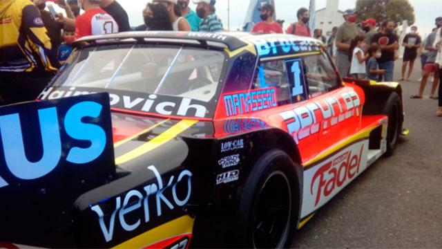 Mariano Werner y el nuevo diseño de su Ford. (Foto: @La4deFord)