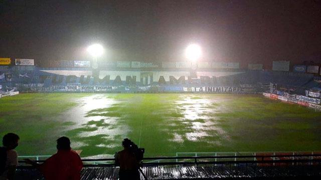 Un diluvio suspendió el partido entre Atlético Tucumán y Huracán.