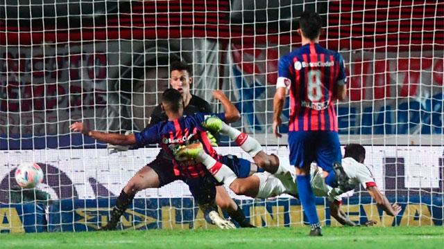 San Lorenzo y Huracán empataron en el Nuevo Gasómetro en un entretenido clásico.