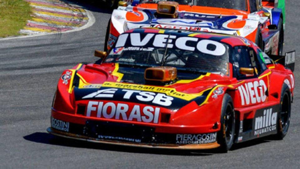 Urcera se quedó con la final del TC en Buenos Aires: despistó Werner.