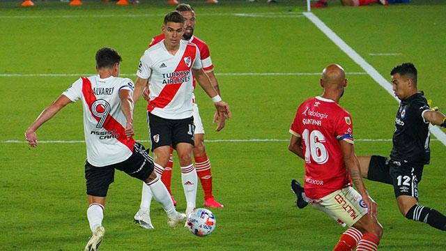 En la última jugada del partido, Argentinos ganó y le dio un duro golpe a River
