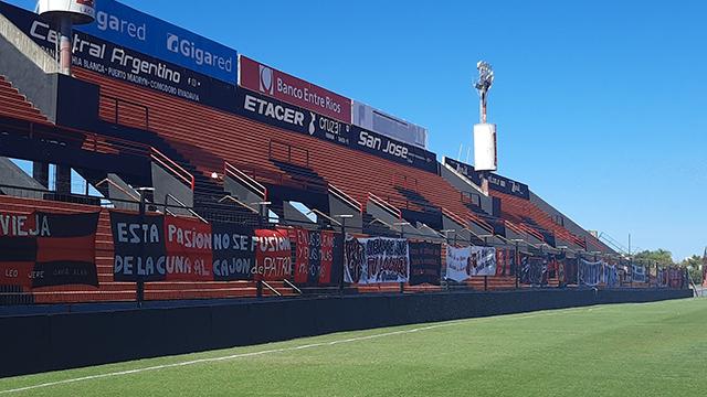 El Gobierno habilitó el regreso del público a los estadios de fútbol desde octubre