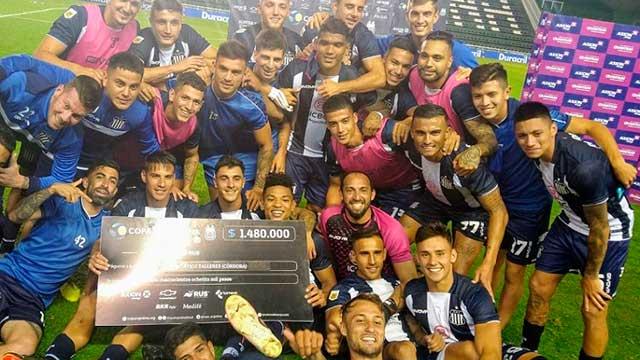 Talleres eliminó en los penales a Vélez y está en octavos de la Copa Argentina.