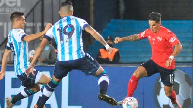 Racing ganó el clásico ante Independiente en el final con un polémico penal.