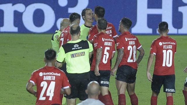 """Vigliano rompió el silencio tras la polémica en Racing - Independiente: """"Tuve un error gravitante"""""""