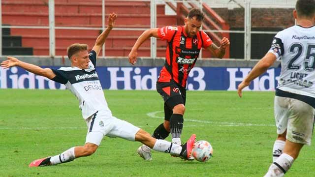 Con muchas bajas, Patronato enfrenta a Newell's en Rosario y va por un buen resultado
