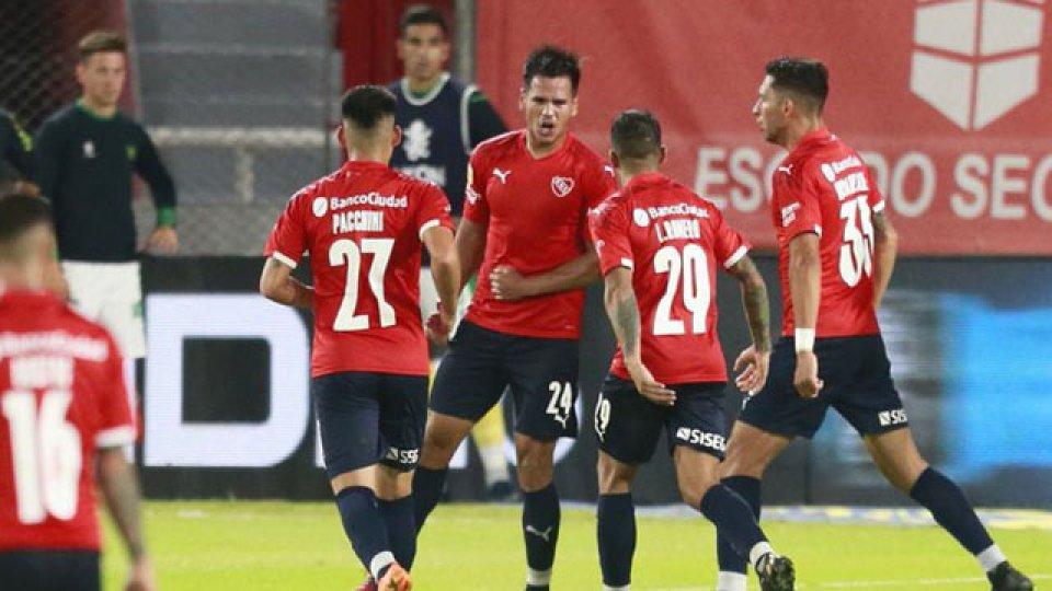 Independiente abrirá ante Santos en Brasil su compleja serie de octavos.