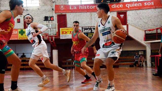 Estudiantes se quedó con el duelo ante Rocamora. (Foto: Carlos Lozano)