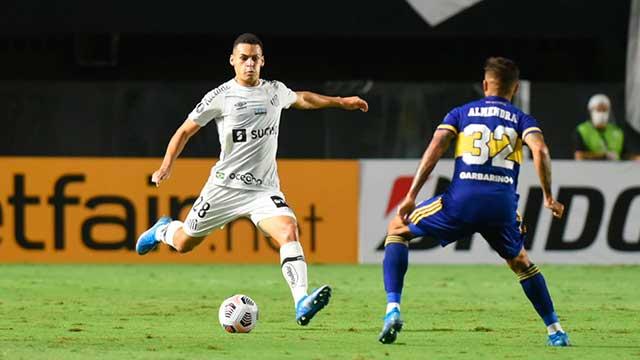 Boca cayó ante Santos en Brasil por la Libertadores y llegará golpeado al Superclásico