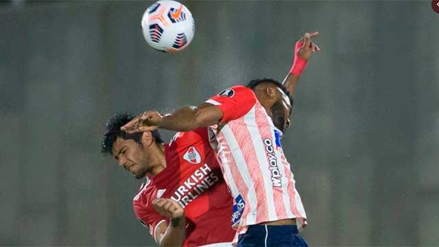 River igualó en el final ante Junior de Barranquilla y llega aliviado al Superclásico