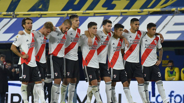Con 14 futbolistas disponibles y sin arquero, River arma el rompecabezas para la Copa