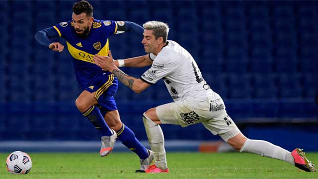 Boca goleó 3 a 0 a The Strongest y avanzó a octavos de final.