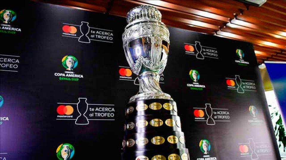 Argentina buscará alzar el trofeo después de 28 años de sequía.