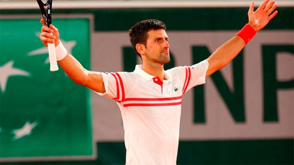 Novak Djokovic frenó a Rafael Nadal en Roland Garros.