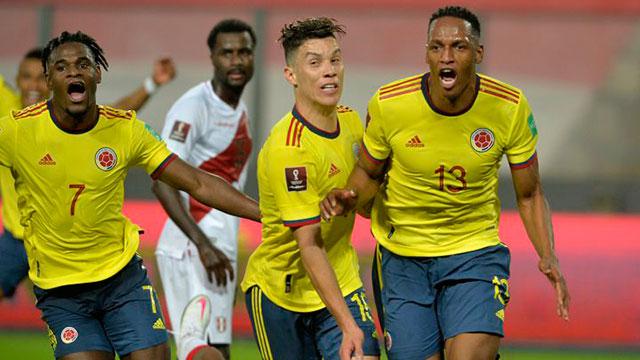 El encuentro entre peruanos y colombianos se jugará desde las 21.