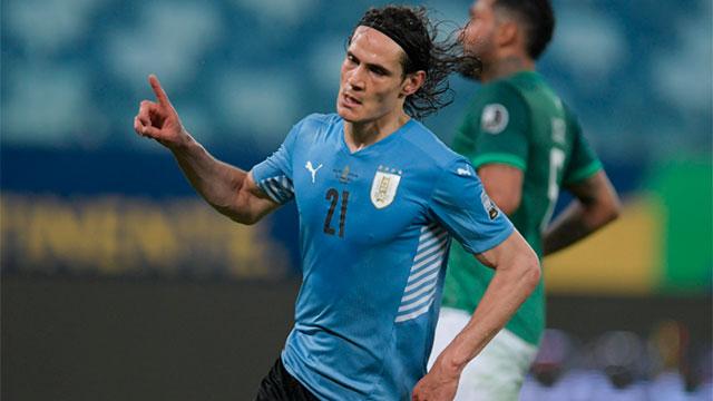La FIFA le pidió a Uruguay que cambie el escudo de su camiseta por los títulos.