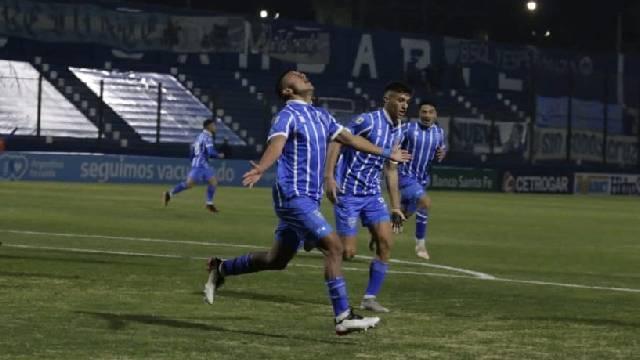 El Bodeguero perdía en Mendoza ante el Canalla, pero se llevó los tres puntos.