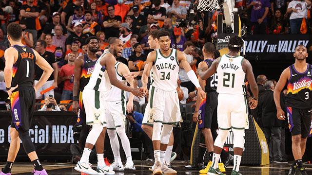Milwaukee Bucks va por el titulo de campeón de la NBA tras 50 años.