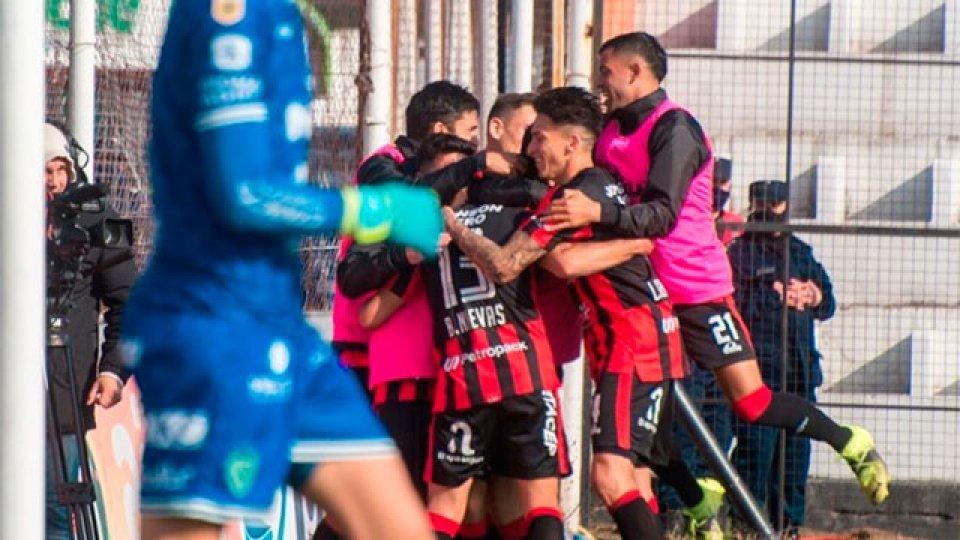 El Rojinegro festejó ante Sarmiento. ( Foto: Prensa ClubPatronatoOf).