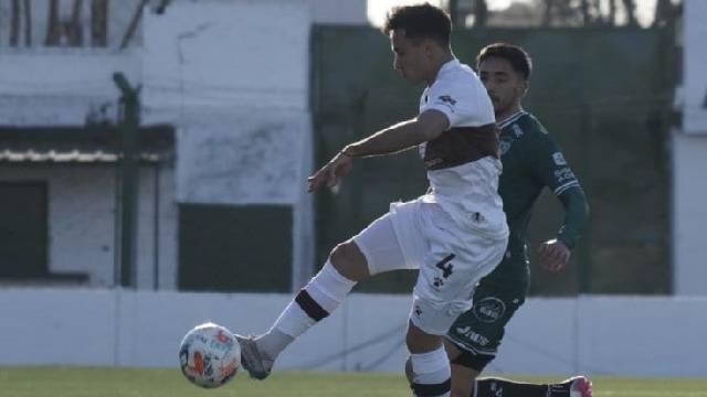 El Verde juninenese se alzó con los tres puntos en la última jugada del partido.