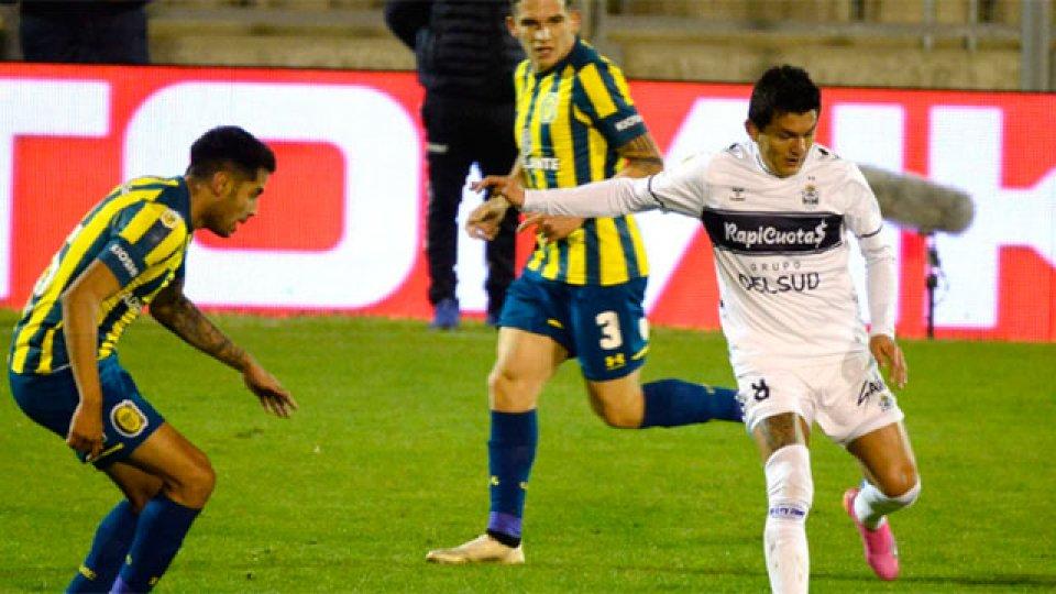 Con gol entrerriano y el debut del Pulga Rodríguez, Gimnasia le ganó a Central.