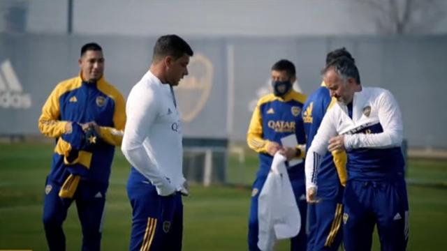 Battaglia inició su ciclo en Boca: dirigió el entrenamiento y lo  presentarán en conferencia - Superdeportivo.com.ar