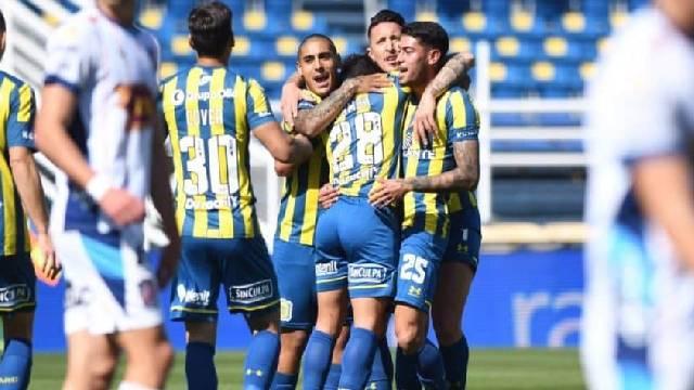 Rosario Central aplastó a como local a Arsenal por 4 a 0.