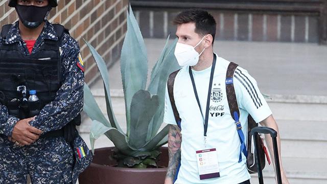 Así se mostró La Pulga en la llegada de la Selección a Brasil.