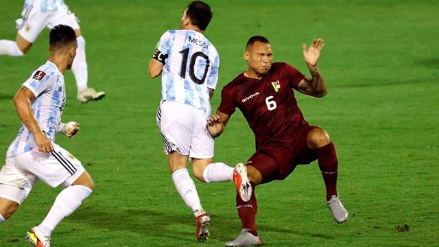 Luis Martínez, el jugador venezolano de la patada a Messi, pidió disculpas.
