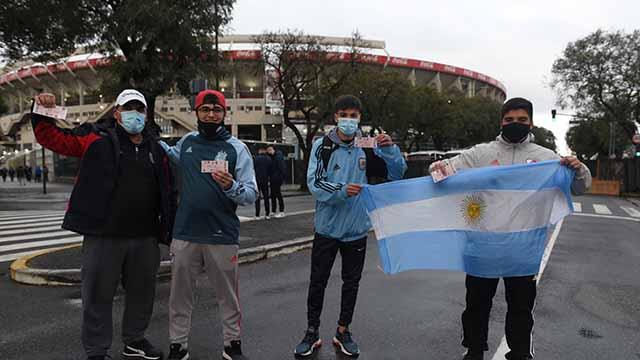 El público regresó a los estadios en Argentina.