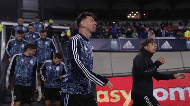 Scaloni, Messi y el plantel fueron ovacionados por los hinchas.