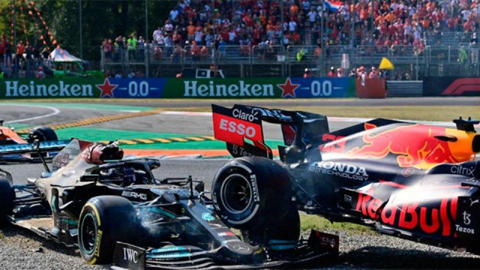 Así fue el accidente entre Verstappen y Hamilton en el Gran Premio de Monza.