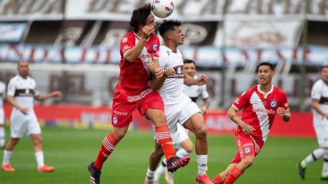 Platense y Argentinos empataron sin goles en Vicente López.