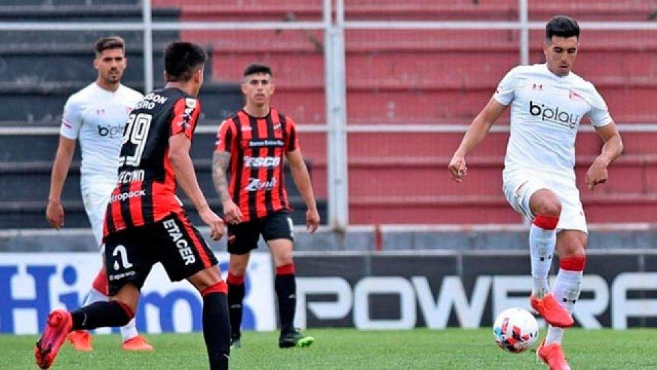 Patronato mereció mejor suerte pero Estudiantes se llevó la victoria por 2-1.