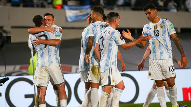 Argentina goleó a Uruguay y dio otro paso hacia el Mundial de Qatar 2022.