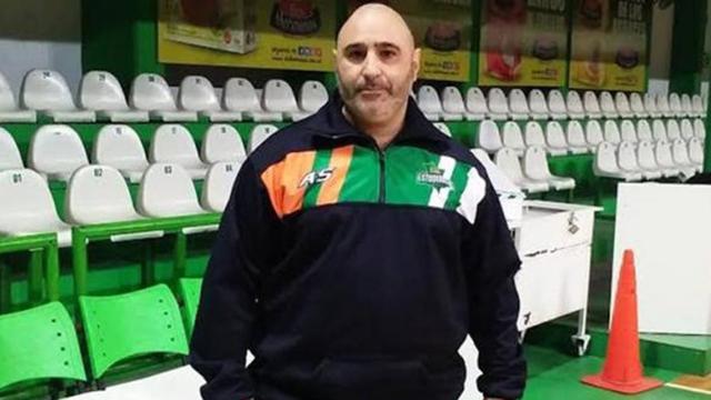 El entrenador Hernán Laginestra fue denunciado por racismo.
