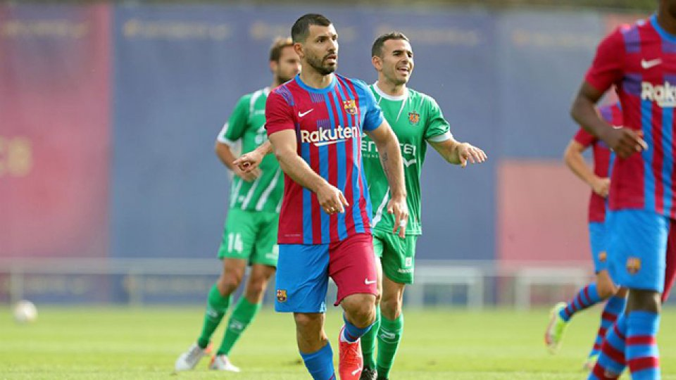 El Kun Agüero hizo su primer gol con Barcelona en un amistoso.