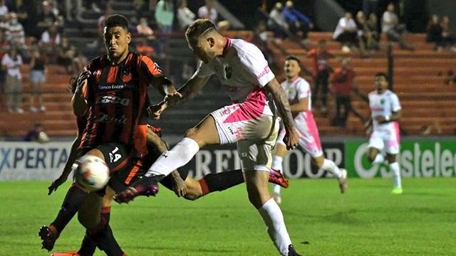 Con polémica y muchos goles, Patronato rescató un empate 3 a 3 en el final